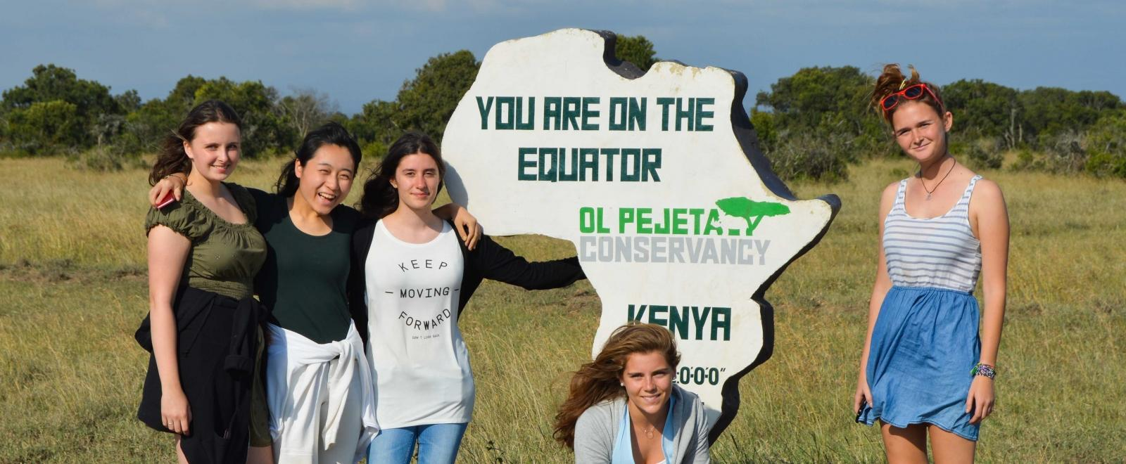 Projects Abroad staff take the volunteers on a tour of Kenya.